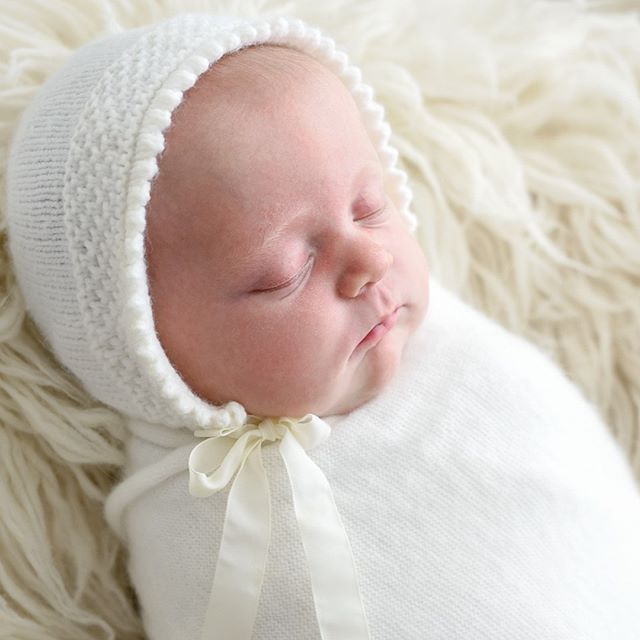 Emily's bonnet was knitted with love by her Grandma . I love incorporating personal items or heirlooms!...#sleepingbeauty #babywhisperer #jessicalorenphotography #babyphotographerbrisbane #babyphotographybrisbane #brisbanebabyphotographer #brisbanebabyphotography #brisbanephotographer #newbornphotographerbrisbane #newbornphotographybrisbane  #brisbanenewbornphotography #brisbanenewbornphotographer #bestnewbornphotographerbrisbane #naturalnewborn #naturallightnewbornphotography #newbornphotographyprop  #newbornphotoprops #newbornposingideas #simplenewbornphotography#southbrisbanephotographer #brisbanemums #brisbanemum #brisbanenewborn #matermothers #icanstyleposeclick  #newbornportraits #simplenewborn #naturallightnewborns #organicnewborn #organicnewbornphotography - from Instagram